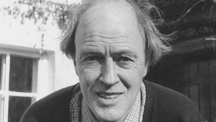 Roald Dahl photo headshot black and white