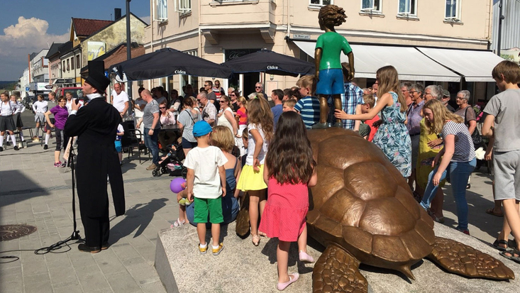 The statue inspired by a Roald Dahl story is unveiled.